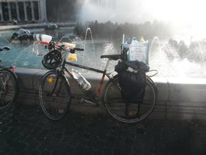 an image named bicycle/2012_09_cm_images/cm_201209__04.jpg